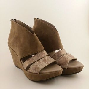 Cordani Riccardi suede wedge sandals Sz 7.5